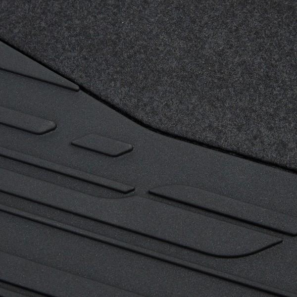 Detailaufnahme der Original Volvo V60 Fußmatten 39828878
